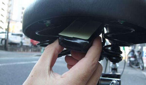GPS追跡機を自転車のどこに取り付ければいいのか